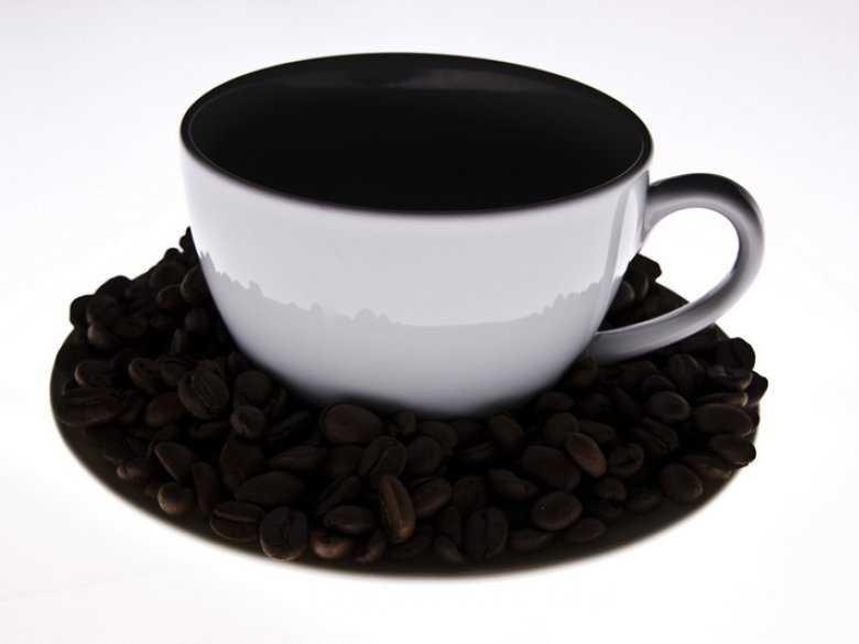 Kofeina, omamy słuchowe, schizofrenia