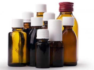 Zapobieganie malarii poprzez profilaktyczne stosowanie różnych zestawów leków