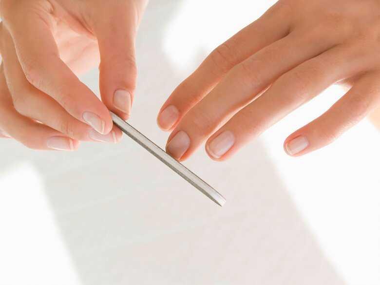 Piłowanie paznokci