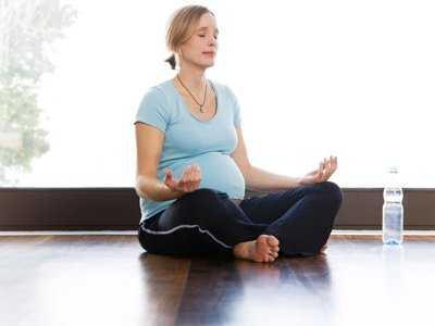 Ćwiczenia mięśni dna miednicy podczas ciąży ułatwiają poród.