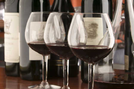 Migrena – rozbieżności zdań na temat skutków picia alkoholu