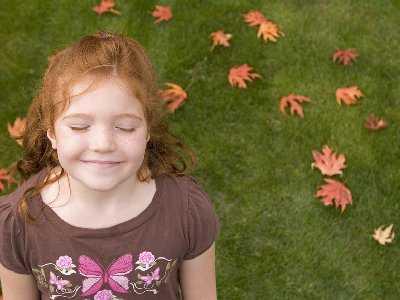 Zwiększona ekspozycja na swiatło słoneczne może zapobiegać egzemie oraz alergiom