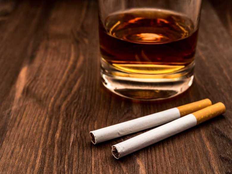 WHO: alkohol i tytoń groźniejsze niż narkotyki