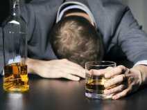 alkohol_uzaleznienie_mezczyzna_depresja_nalog_panthermedia_15915951