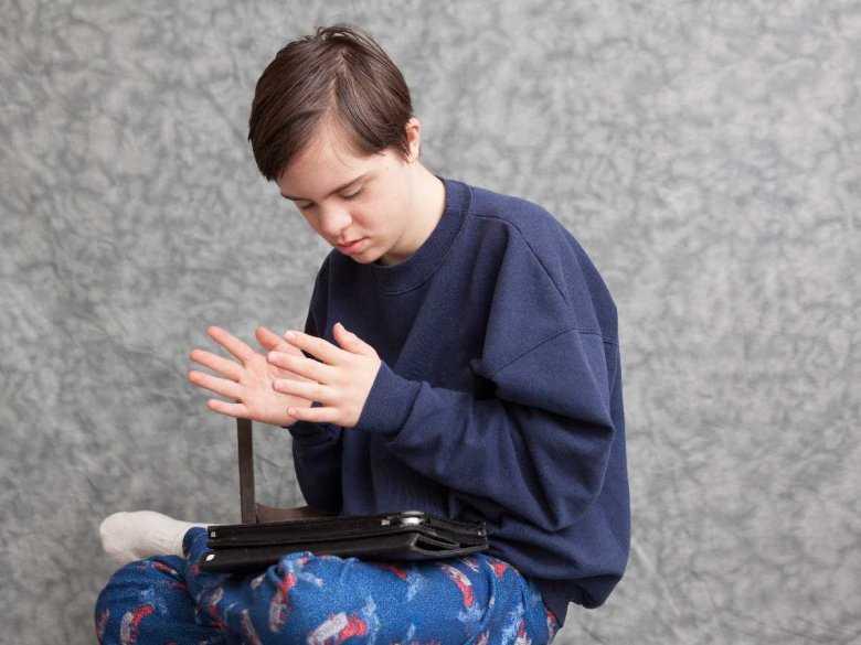Brak związku między MMR i autyzmem