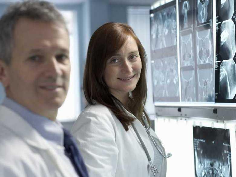 Wyniki leczenia osób z łagodnymi objawami udaru niedokrwiennego mózgu.