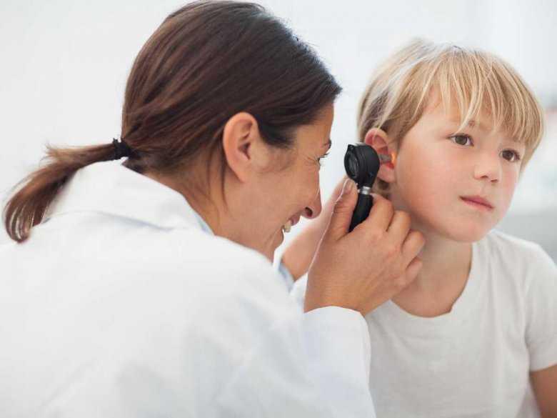 Ciało obce w nosie i uchu – co robić?