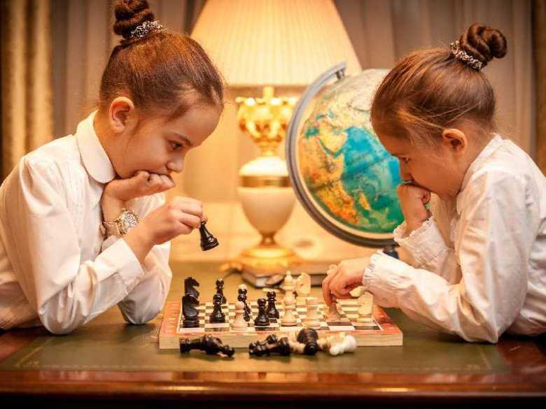 Brak pewności siebie u dzieci - przyczyny, objawy
