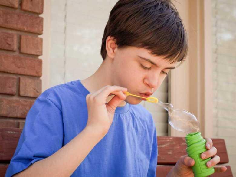 Wybrane metody wspomagania komunikacji u dzieci z autyzmem