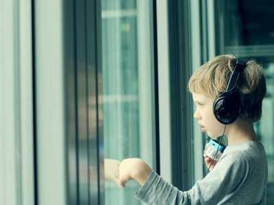 Nieprawidłowości w budowie twarzy i mózgu charakterystyczne dla autyzmu dziecięcego