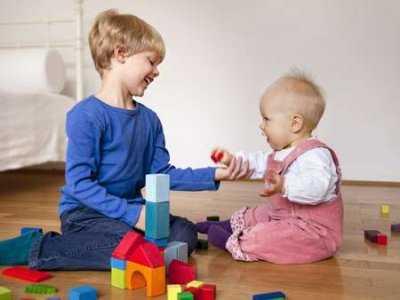 Czy moje dziecko ma autyzm? Objawy u niemowląt i małych dzieci