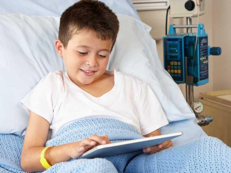 Chłopiec w szpitalu