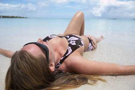 Udar słoneczny - przyczyny, objawy, pomoc
