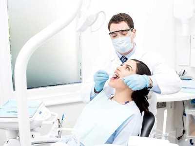 Nadtlenek wodoru (woda utleniona) a wybielanie zębów