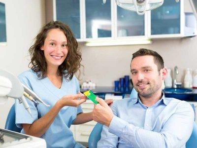 Specjalistyczna gabinetowa profilaktyka jamy ustnej