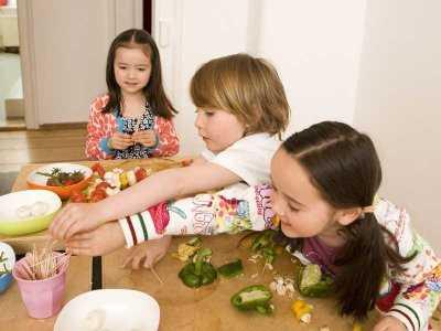 Pica, czyli kiedy dziecko je to, czego nie powinno