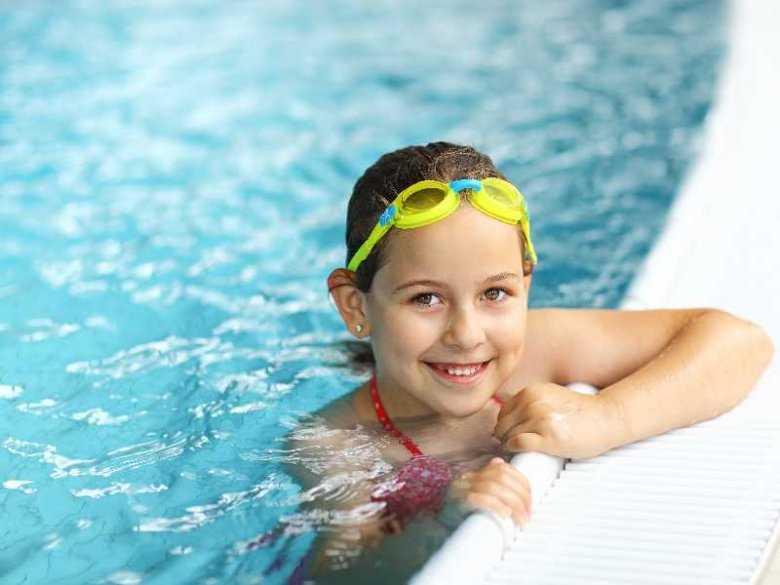 Czy chlorowana woda w basenie ma wpływ na rozwój astmy u dzieci?