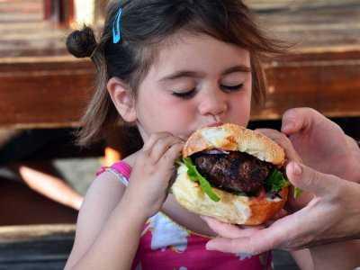 Przetworzona żywność może negatywnie wpłynąć na rozwój kości dziecka