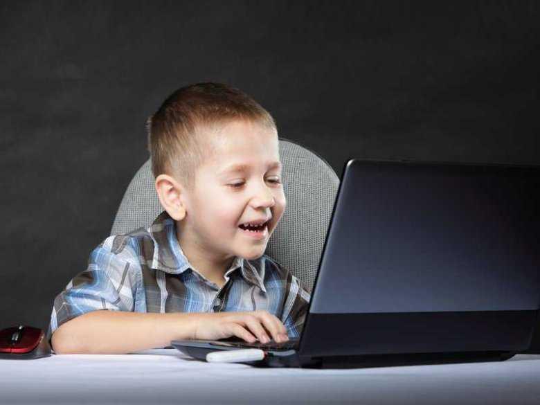 Zwolennicy i przeciwnicy gier komputerowych dla dzieci