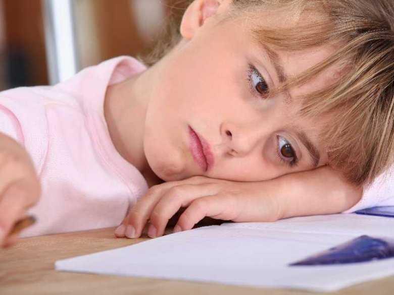 Sekty: część 2. Jak rozpoznać, że dziecko zostało wciągnięte w działalność sekty i jak mu pomóc?