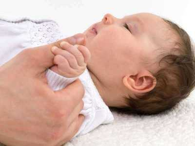Ciężkie powikłania krztuśca u 2-miesięcznego niemowlęcia