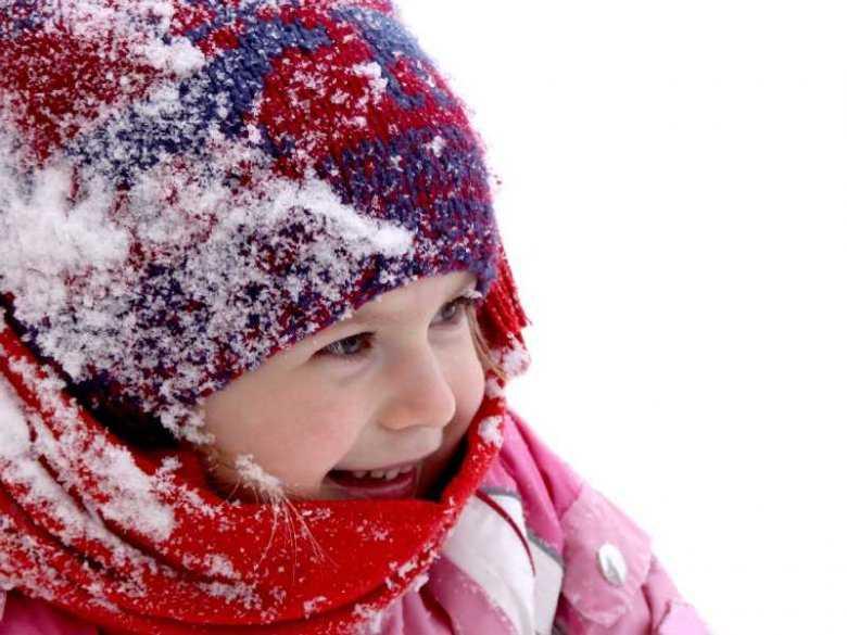 Jak dbać o skórę dziecka jesienią i zimą?