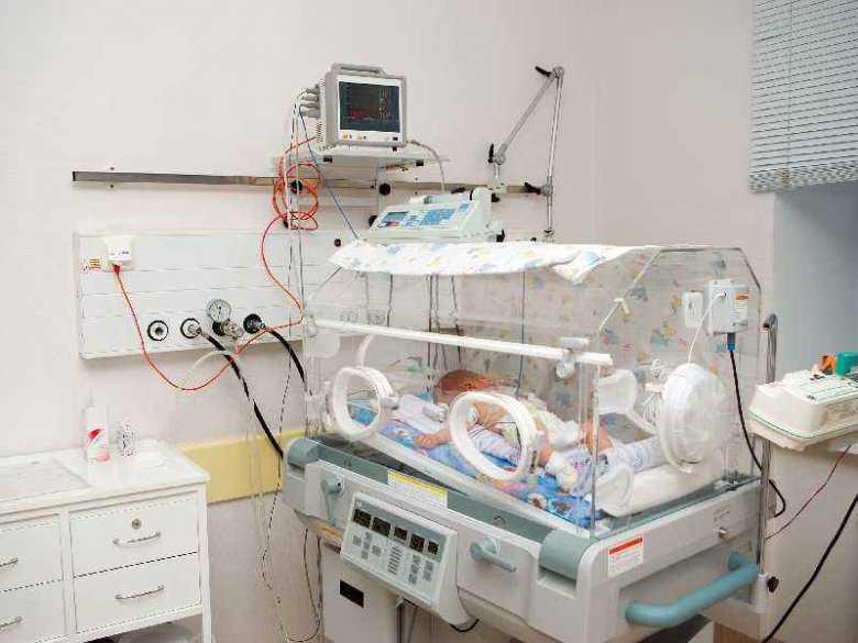 Zmniejszone przepływy mózgowe u noworodków z ciężkimi wrodzonymi wadami serca