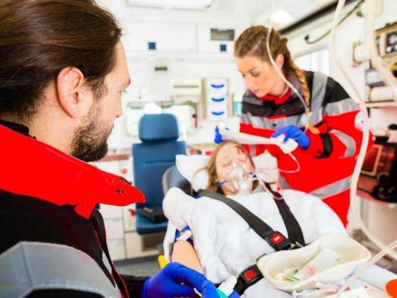 Karetka pogotowa ratunkowego, pomoc medyczna