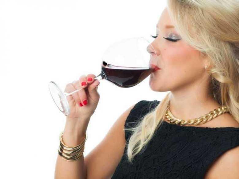 Rozpowszechnienie picia alkoholu przez kobiety