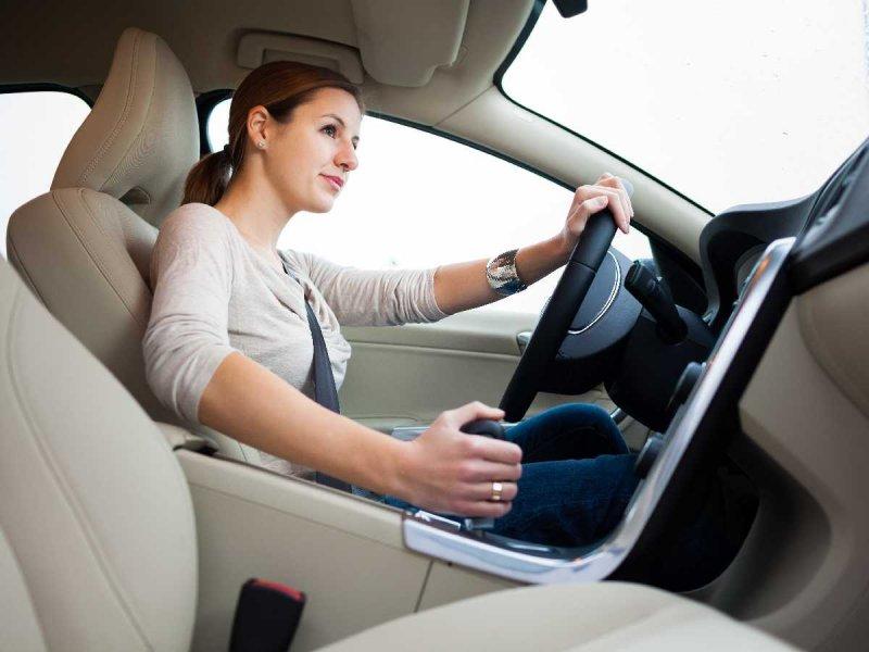 kobieta_kierowca_samochod_shutterstock_229520692