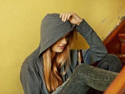 Picie nadmiernych ilości alkoholu przez nastolatków a pamięć dotycząca przyszłości