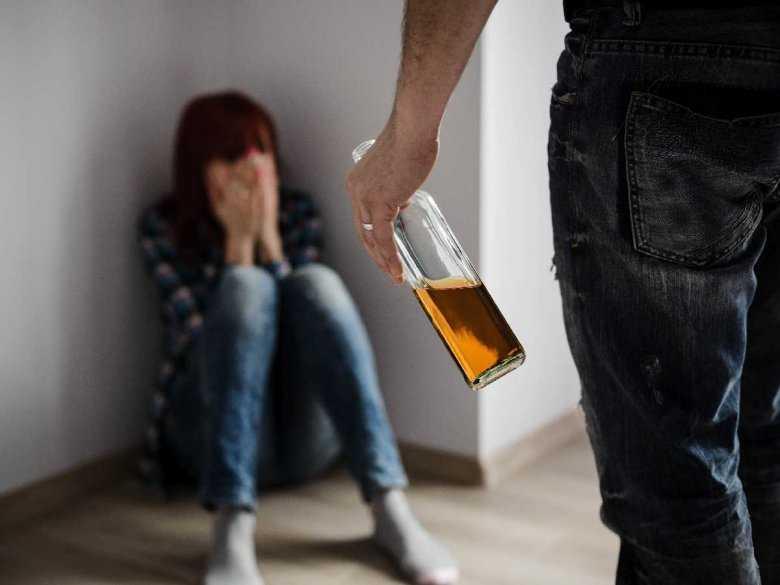 Koronawirus: podczas kwarantanny rośnie liczba przypadków przemocy domowej