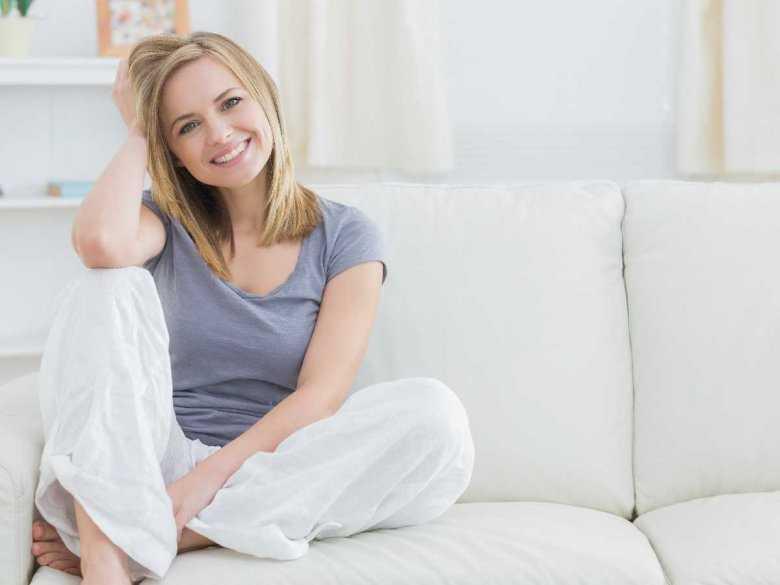 Zdrowa, uśmiechnięta kobieta