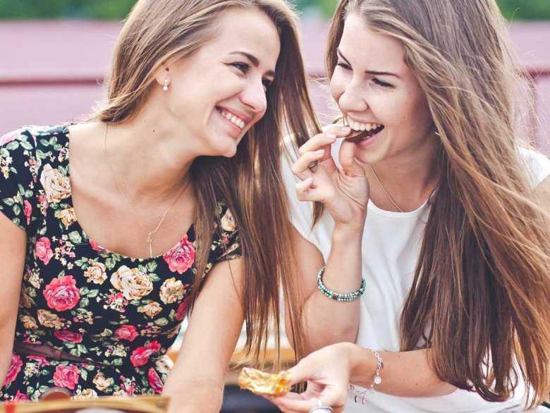 Jak poradzić sobie z problemami żołądkowymi po obfitym łakomstwie?