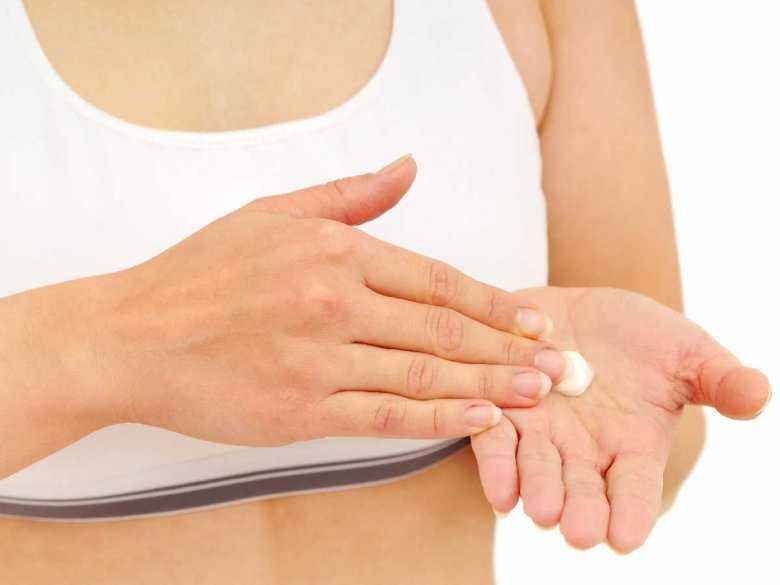 Pielęgnacja dłoni przesuszonych płynem do dezynfekcji