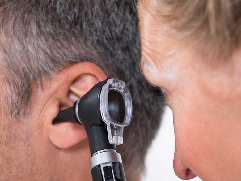 Krwawienie z ucha – przyczyny, przebieg, powikłania