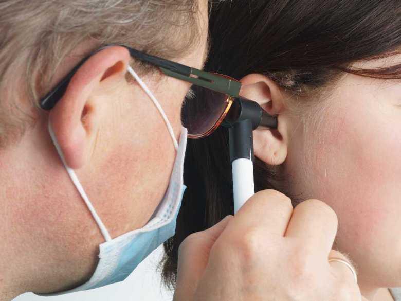 Kieszonki retrakcyjne jako powikłanie zapalenia ucha środkowego