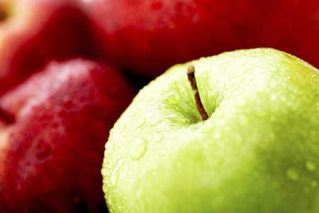 Po co myć owoce?