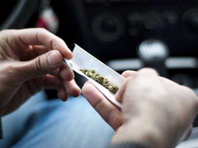USA: Młodzi ludzie rzadziej sięgają po marihuanę