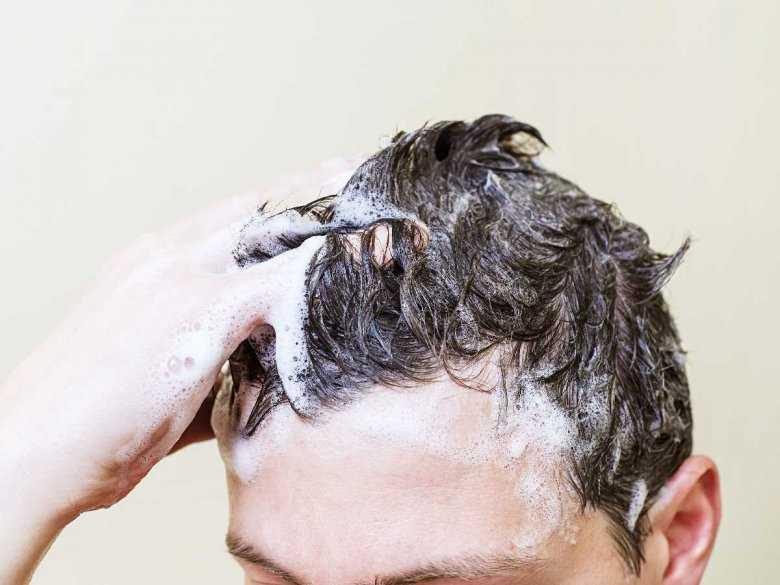 5 najpopularniejszych cech męskich włosów, których nie lubią kobiety