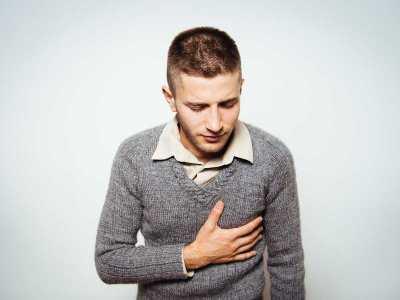 Ból w klatce piersiowej - czy to zawał?