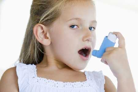 Zabieg cięcia cesarskiego a ryzyko ciężkiej astmy u dzieci.