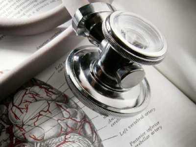 Naczyniak mózgu - objawy, diagnoza, leczenie