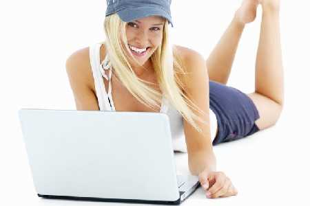 mya09807_kobieta_laptop_ojoimages_cr