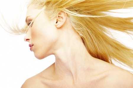 Swędzenie skóry głowy a wypadanie włosów