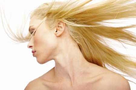 Na wypadające włosy - mezoterapia igłowa skóry głowy