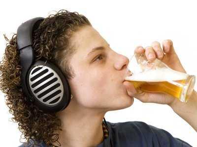 Niemieccy nastolatkowie wybierają słodki alkohol