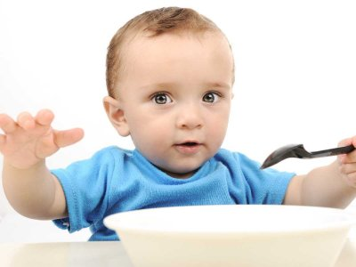 Zdrowe zęby u dziecka – czym karmić najmłodszych? Sprawdź!