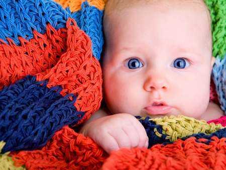 Mniejsze ryzyko śmierci niemowlęcia w pierwszym roku życia u dzieci karmionych piersią