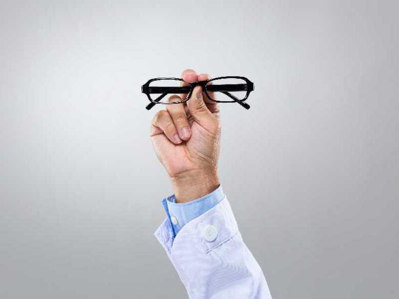 Ból głowy a choroby oczu?